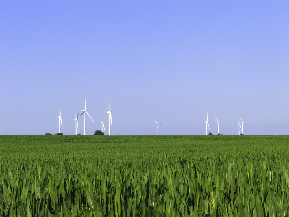 Wind turbines with gearboxes